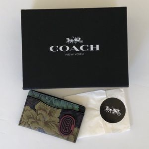 COACH Floral Design Card Case with Coach Patch